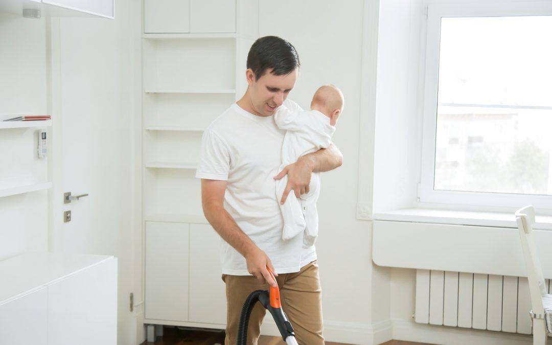 Empregada doméstica pode limpar a casa e ser babá ao mesmo tempo?