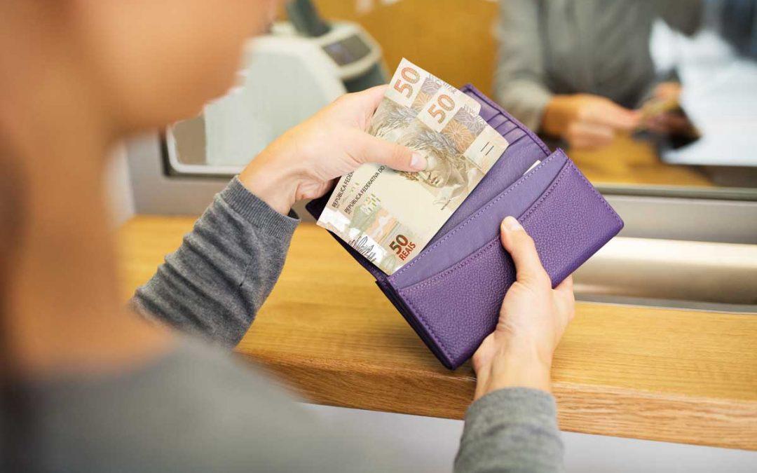 Saque FGTS 2019: quando a empregada doméstica vai poder sacar o dinheiro?