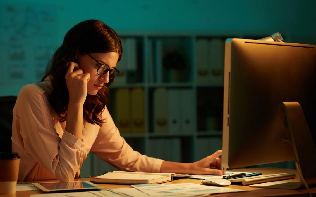 Qual é o prazo para pagamento do 13º salário em parcela única?