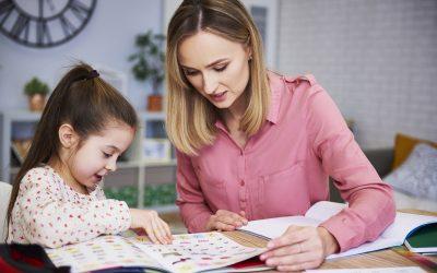 Direitos da babá com carteira assinada: fique atento e dentro da lei