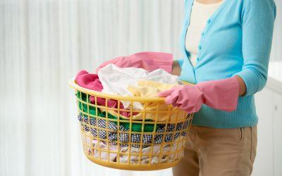 Você sabe quais são os direitos de uma empregada doméstica ao ser demitida?